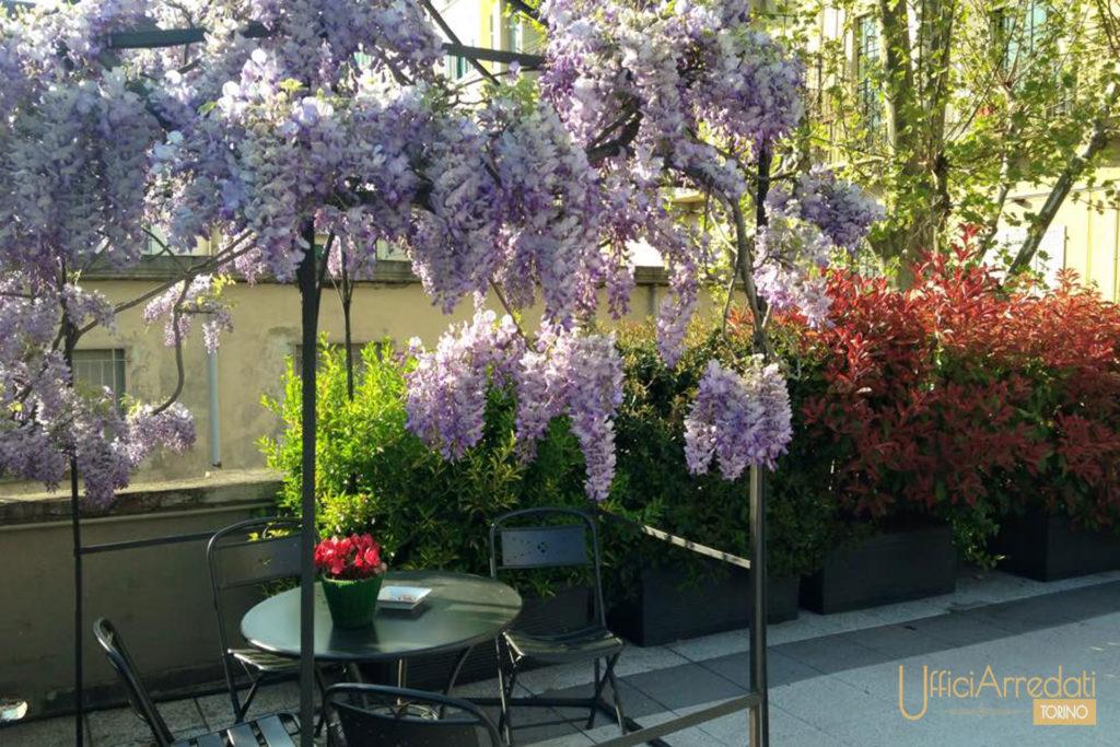 terrazza fiorita per eventi a Torino